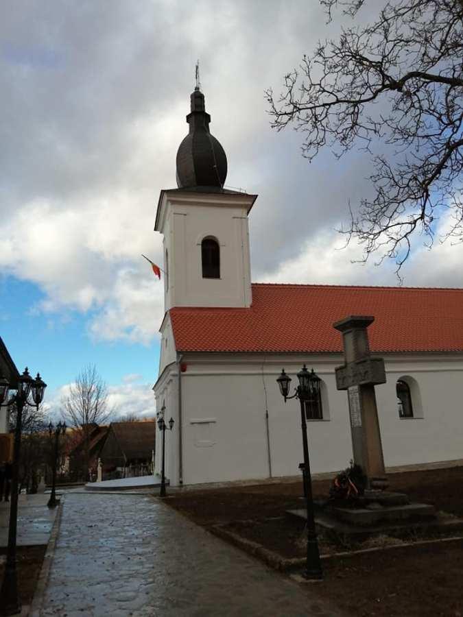 """O nouă campanie pentru Biserica Ortodoxă """"Adormirea Maicii Domnului"""" din Mărtănuș"""