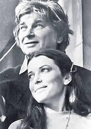""",,Umbra vieţii mele sunt cuvintele mele""""  Nichita Stănescu – 88  ,,Ce bine că eşti, ce mirare că sînt""""  (Cântec)"""
