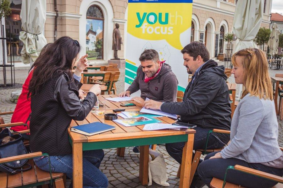 Recrutare de mentori pentru un proiect ce vizează dezvoltarea spiritului civic şi implicarea tinerilor în comunitate