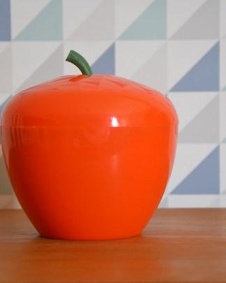 la fameuse pomme à glaçon orange!