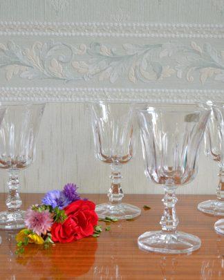 Lot de 6 verres RCR Royal Cristal Rock 53034 Colle Val d'Elsa, Italy . Cristal au plomb 24%. Manufattura del cristallo.Ces gobelets en cristal ont été fabriqués par la société italienne Royal Crystal Rock (RCR); RCR est l'un des plus grands fabricants au monde de verres à pied de crde qualité fine. Le cristal de roche est plus lumineux et brillant que le verre ordinaire, ainsi il ajoutera une grande partie de l'éclat à votre table.