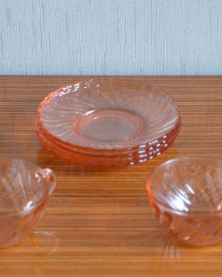 Lot de 4 tasses et sous tasses rose en verre, collection Rosaline