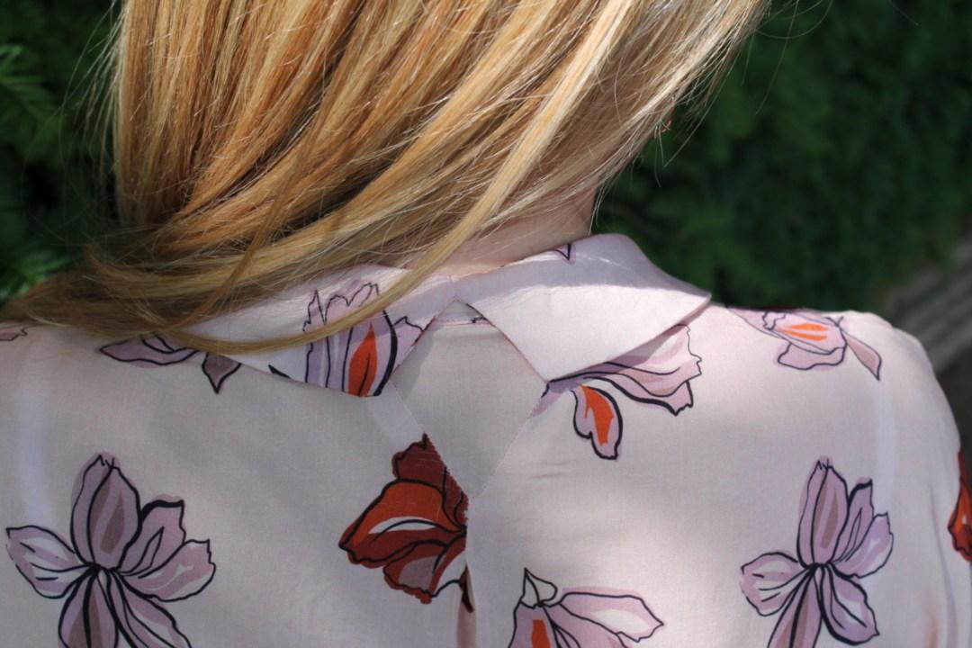 Patron parisette blousette rose col triangle