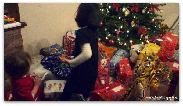 noel-cadeau-sous-sapin