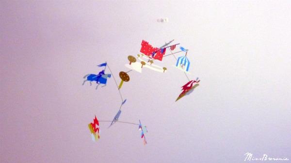 Un univers pour grandir en douceur mes doudoux et - Decoration plafond chambre bebe ...