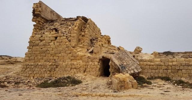 ruine monastir falaise