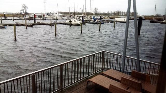 boat house maison flottante center parcs