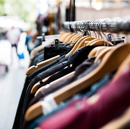 shopping tendance 2020 vetement cintre