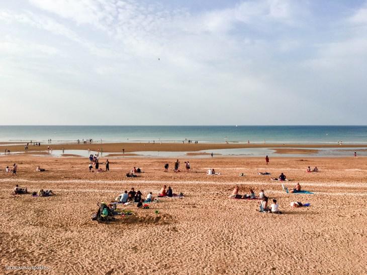 La plage ensoleillée de Cabourg