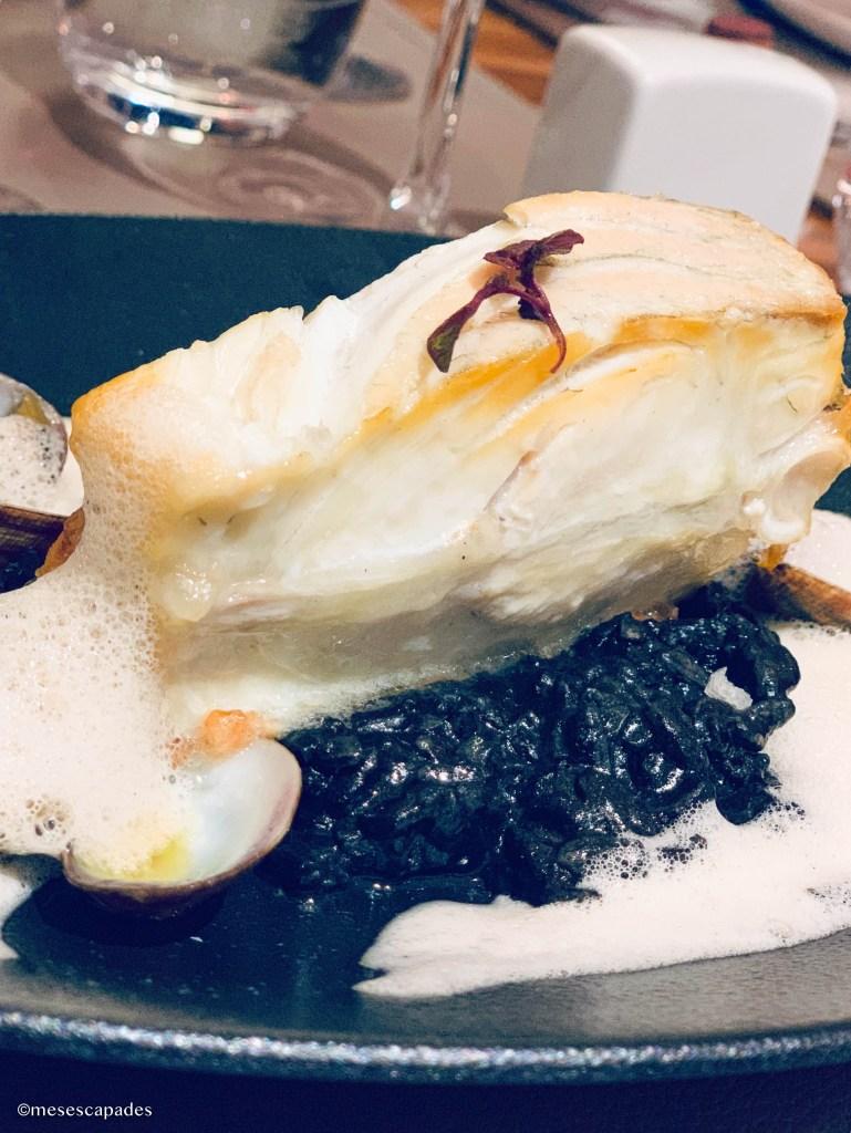 Lieu et riz noir, plat raffiné de chez La Calypso à Cabourg