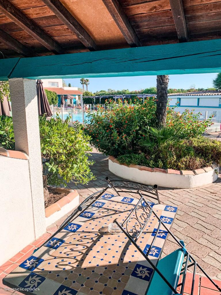 L'Auberge Camarguaise et sa piscine