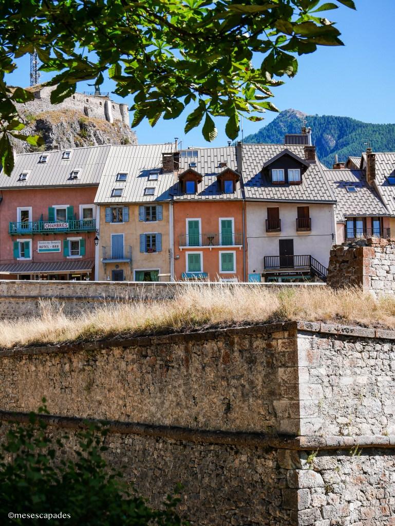 Les petits immeubles de Briançon