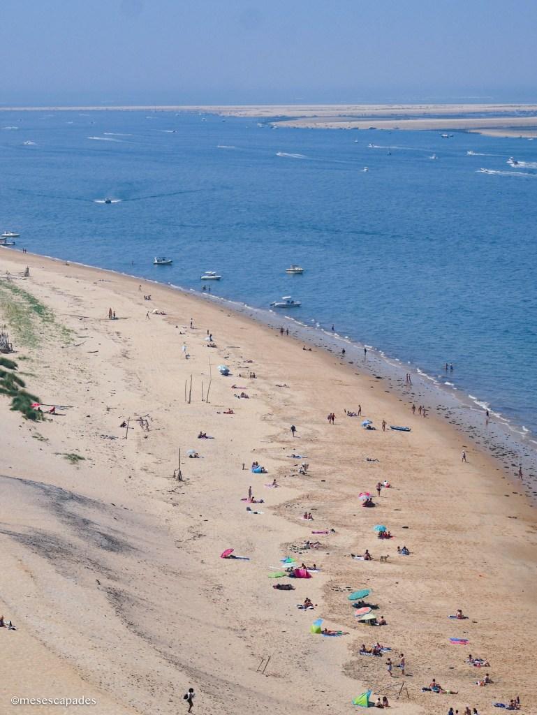 La plage en bas de la Dune du Pilat