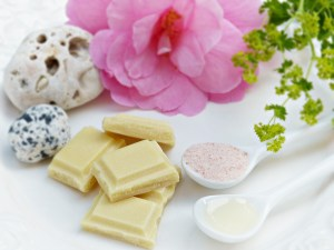 DIY-cocoa-butter-face-packs-mesmara