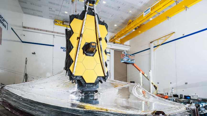 Spacewatch: James Webb telescope finally ready for launch