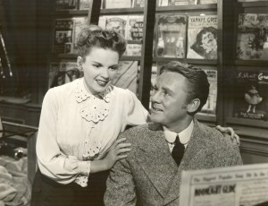 Publicity still of Van Johnson and Judy Garland In the Good Old Summertime.