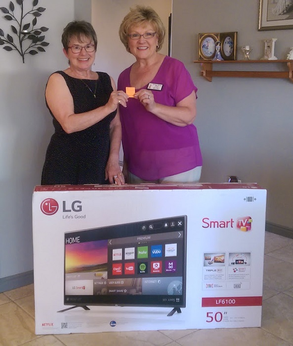 Ms. Senior Mesquite Pageant announced the winner of the annual fundraising Smart TV raffle. Mary Nelson, right, Publicity & Marketing for the Pageant, presents the winner, Renee Havener her new TV. The Pageant wishes to thank everyone who supported Ms. Senior Mesquite Pageant's fundraising efforts.