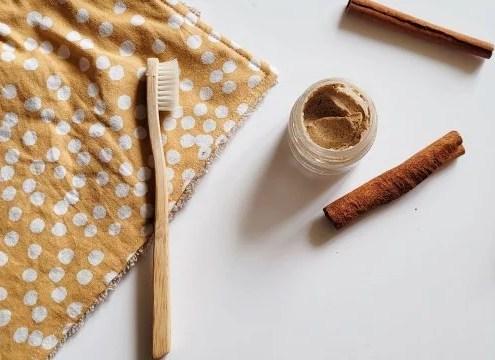 une recette de dentifrice fait maison à la cannelle