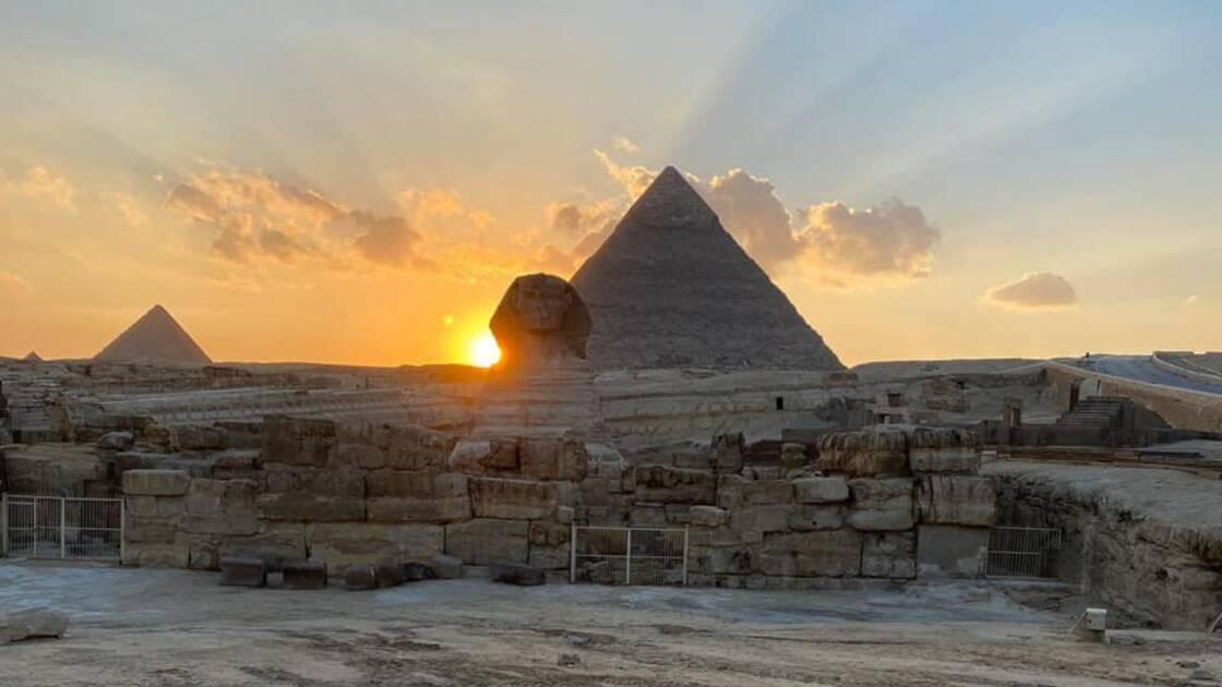 pourquoi-le-soleil-suggere-que-le-sphinx-de-gizeh-na-pas-ete-construit-la-par-hasard