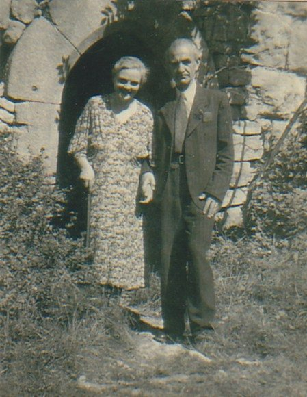 101 year old message in a bottle: Ella and Richard Platz in 1945.