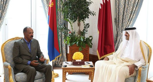 Eritrea's President Isaias Afwerki with the Emir of Qatar during a visit to Doha in March 2016 (QNA)