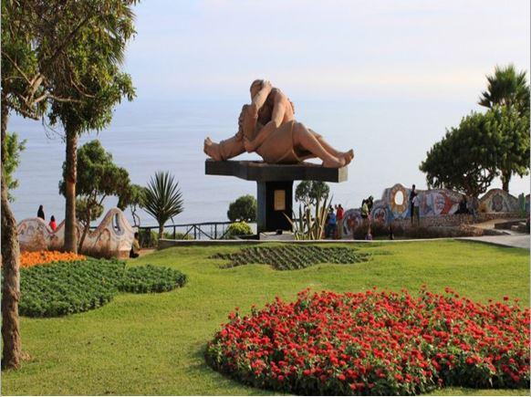 parque del amor- guía de Lima