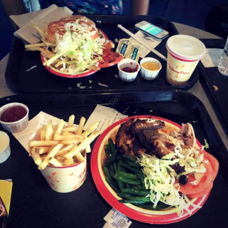 Almorzando en Disney