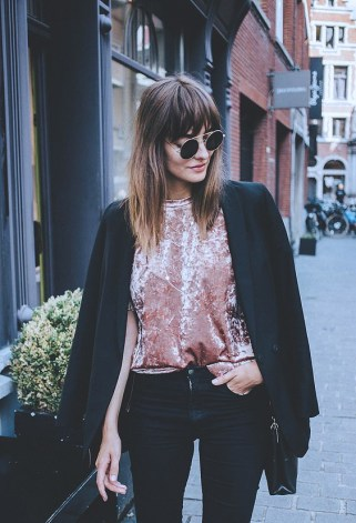 velvet-trend-street-style-2016-outfitsb18a91bfff176b9d10c1d50cd2aff543