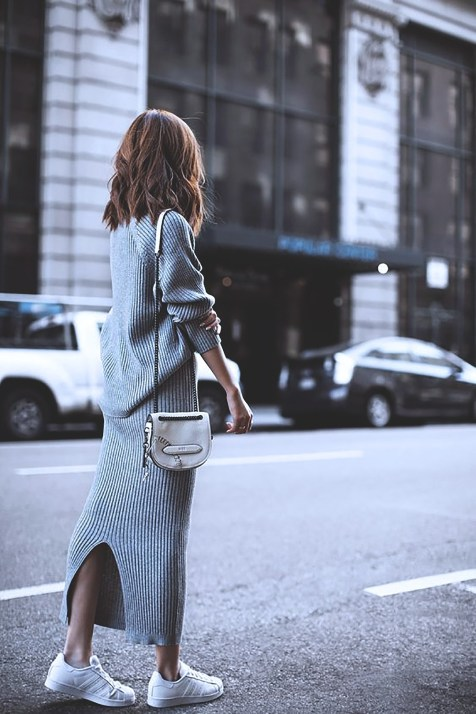 knit-dress-outfits-street-style-20171299b3a66c94a89d9cd1791c607d077c