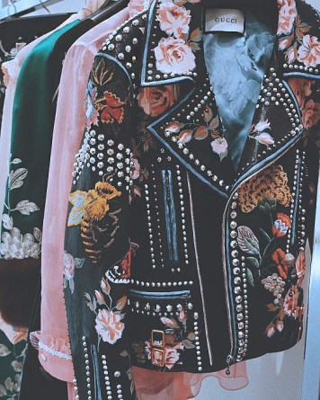 chaqueta-biker-bordada-tendencias-moda-2017-blog-de-modabaf2caac55abd6e7dbee1b26e6232537