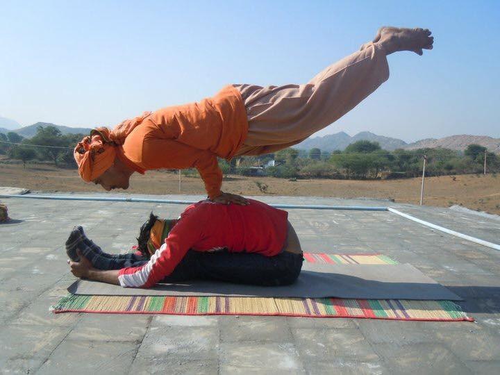 le yoga a n est pas de l 39 exercice mes voyages en inde. Black Bedroom Furniture Sets. Home Design Ideas