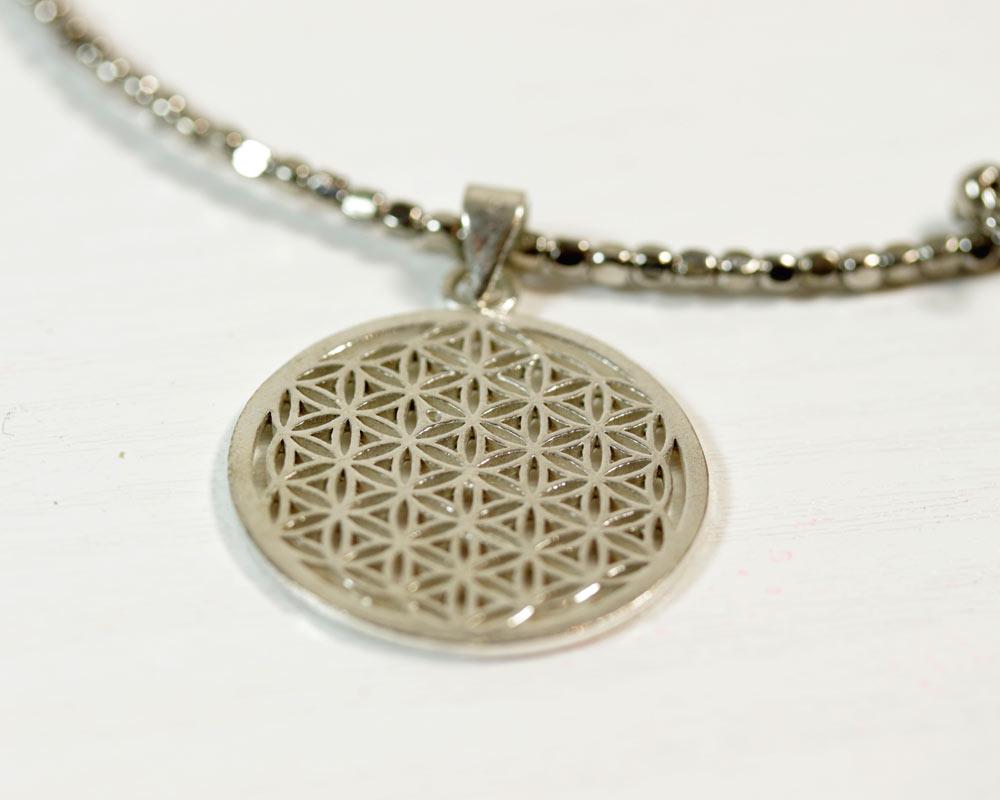 dans quelques jours collection entière large éventail La fleur de vie, symbole de géométrie sacrée - bijoux ...