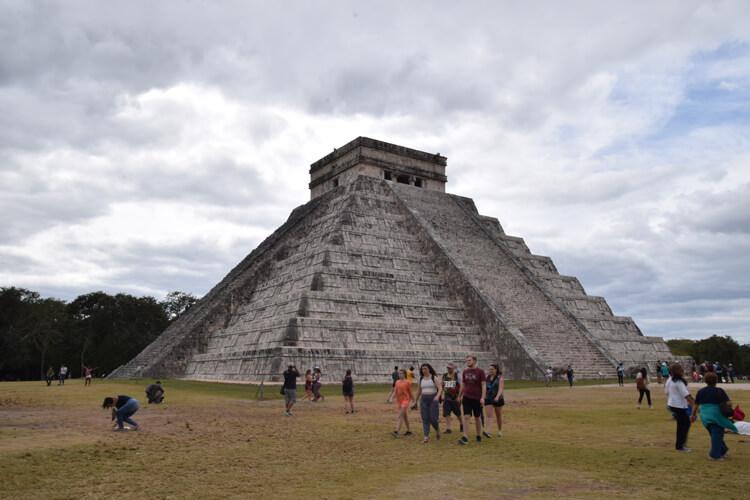 chichen-itza-pyramide