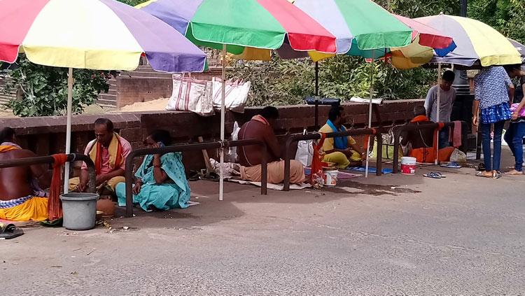bhubaneswar-pretres-rue