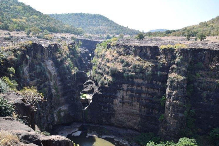grottes-ajanta-canyon-2
