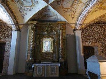 Evora - Eglise San Francisco, cloître gothique, chapelle des Os