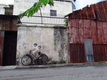 Ile Penang - Georgetown - Street art painting 'Little children on a bicycle'