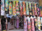 Malacca - Au hasard des rues, robes traditionnelles