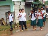 Kinpun - Au hasard des rues, enfants rentrant de l'école