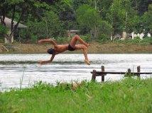 Lac Inle - Sur le chemin, les bords de la rivière, enfants qui jouent