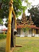 Lampang - Temple 'Wat Sri Choom', gong