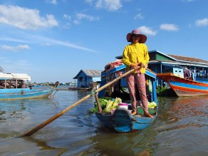 Kompong Chhnang - Villages flottants, 'magasin ambulant'
