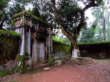 Hué - Tombeau de l'empereur Tu Duc, temple dédié aux concubines des empereurs