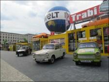 Berlin - Au hasard des rues, voiture typique 'Trabi' de l'est de l'Allemagne
