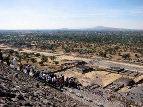 Mexico - Téotihuacan, allée des morts