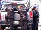 Puebla - Puebla - Centre, Calle 5 de Mayo, la police armée toujours dans la rue
