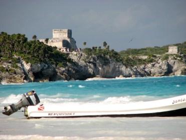 Quintana Roo - Tulum - La plage 'El Paraiso', vue sur la pyramide