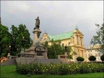 Varsovie - Au hasard des rues, Statue Adam Mickiewicz, et Séminaire supérieur Metropolitan