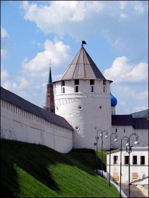 Kazan - Kremlin, remparts