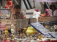 Katmandou - Durbar Square, monuments historiques, vente de souvenirs